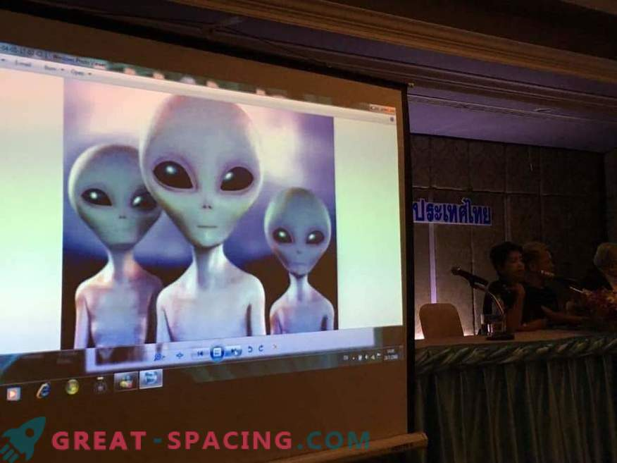 El grupo Khao Kala medita para comunicarse con inteligencia extraterrestre
