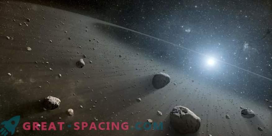 Patru familii incredibil de tinere de asteroizi găsite