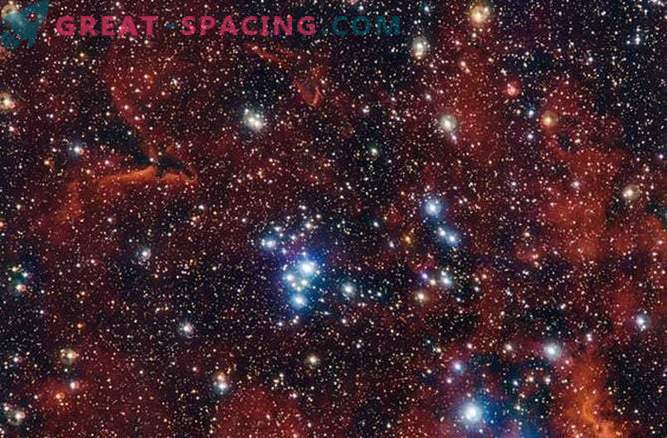 Roșu, alb și albastru: Cluster de vacanță a Clusterului Star