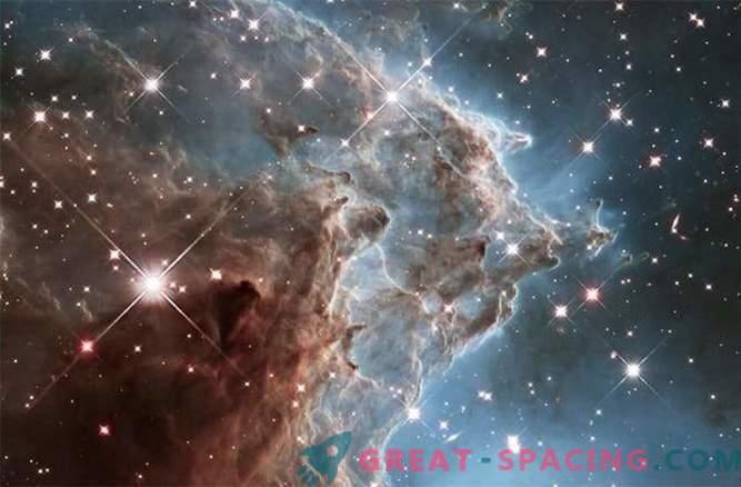 Въздействие на звездните ветрове върху мъглявината на маймунските глави